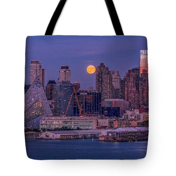 Hunter's Moon Over Ny Tote Bag
