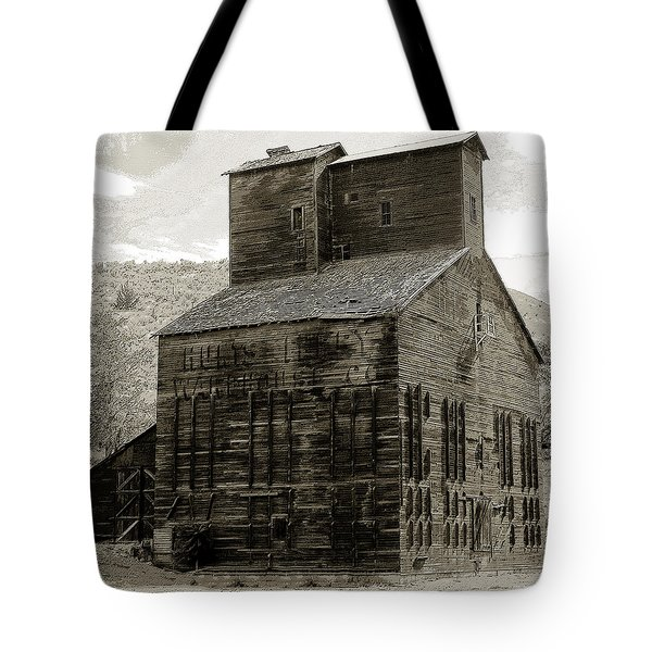 Hunts Ferry Barn Tote Bag by David Lee Thompson