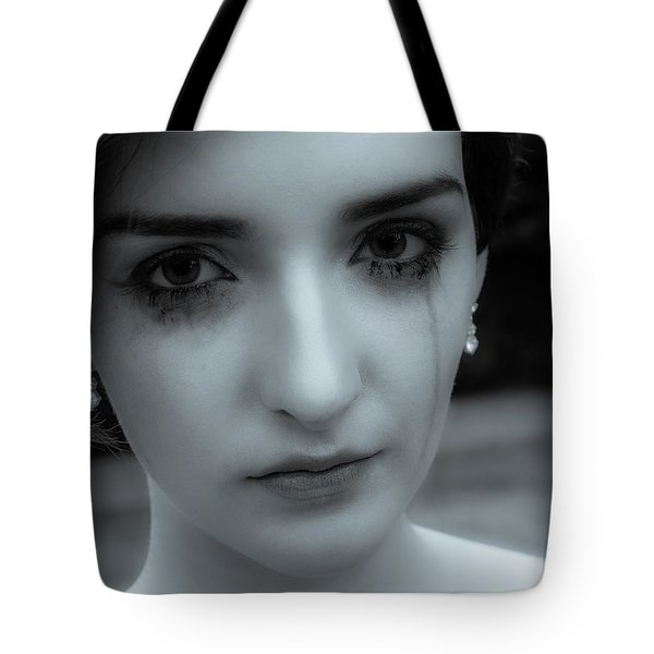 Tote Bag featuring the photograph Hurt by Ian Thompson