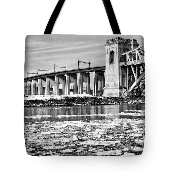Ice Flows On The East River Tote Bag
