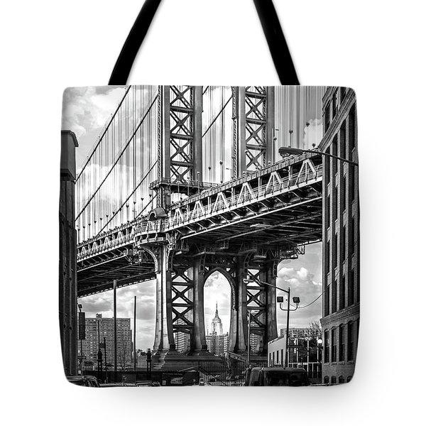 Iconic Manhattan Bw Tote Bag