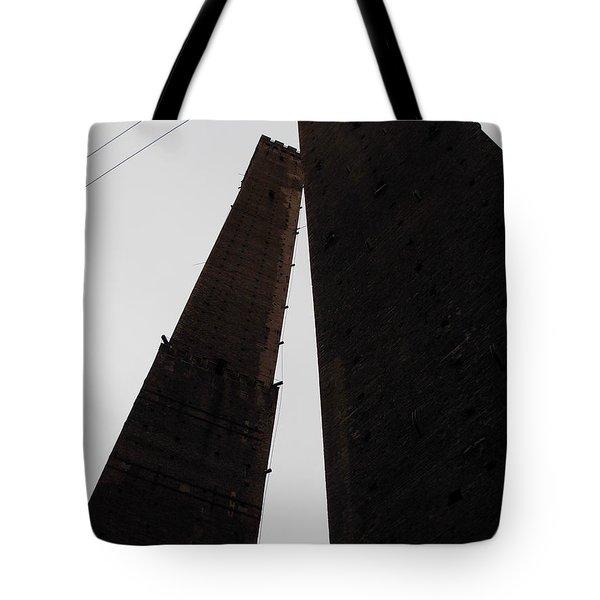 Il Bacio Delle Torri Tote Bag