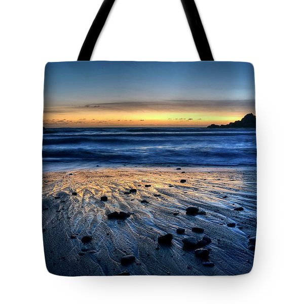Tote Bag featuring the photograph I'm Grateful You Joined by Peter Thoeny