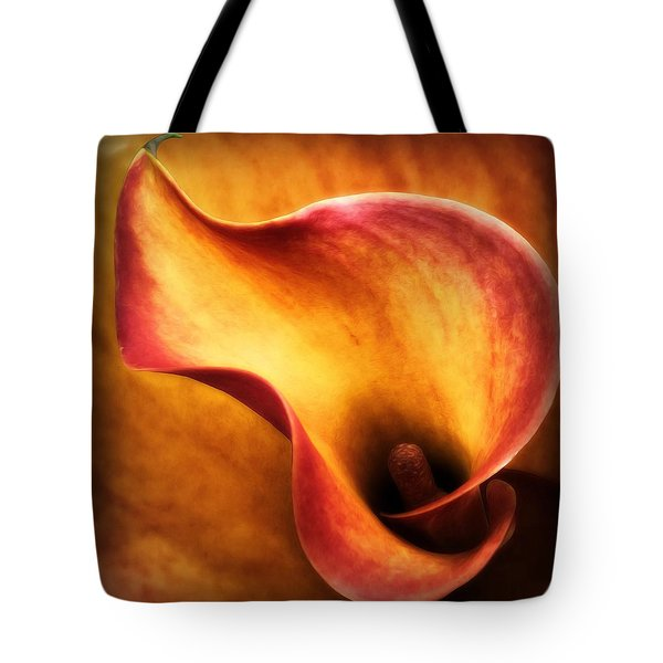 Tote Bag featuring the photograph I'm Hot by Gabriella Weninger - David