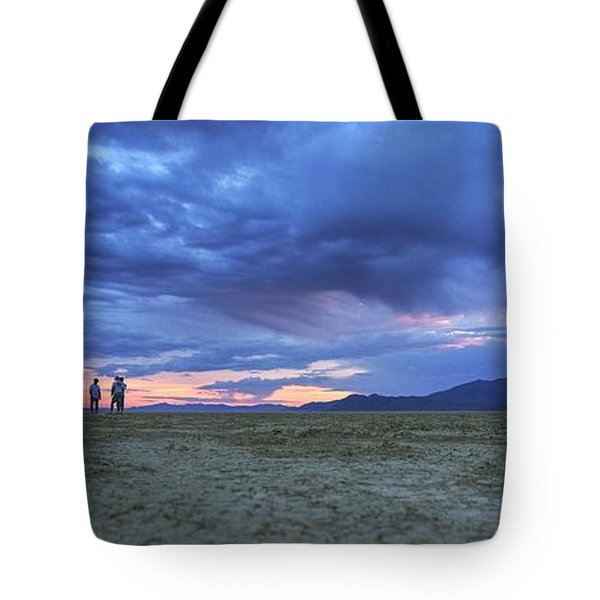 Impromptu Meeting In The Desert Tote Bag