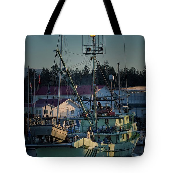 Tote Bag featuring the photograph In For Ice by Randy Hall