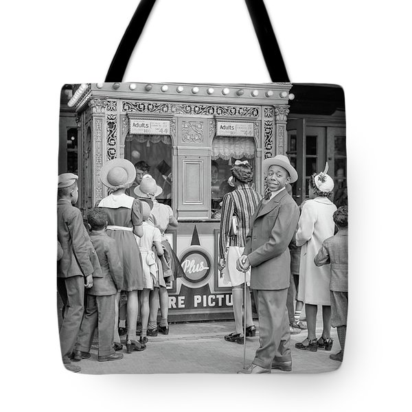 In Front Of A Movie Theater, Chicago, Illinois Tote Bag