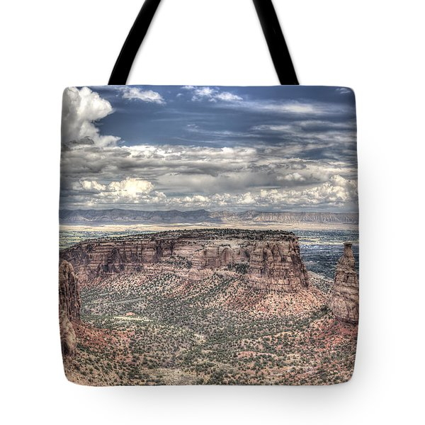 Tote Bag featuring the photograph Independence Monument by ELDavis Photography
