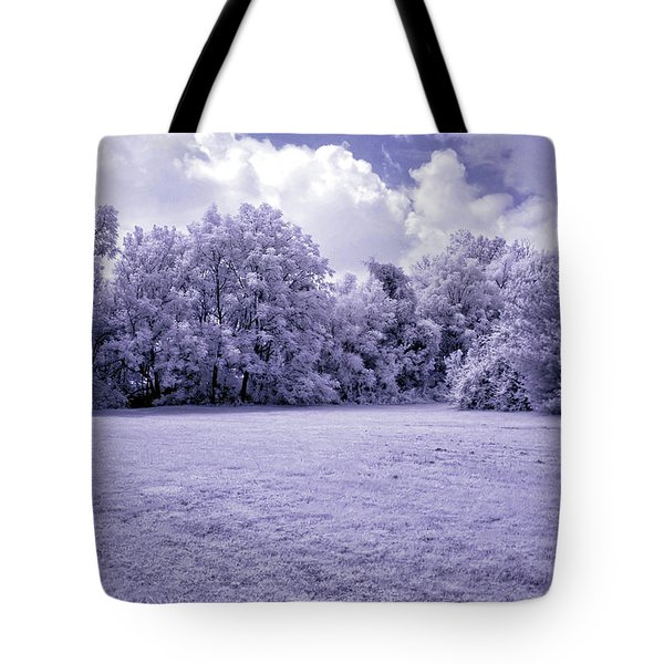 Infrared In Glasgow Ky Tote Bag