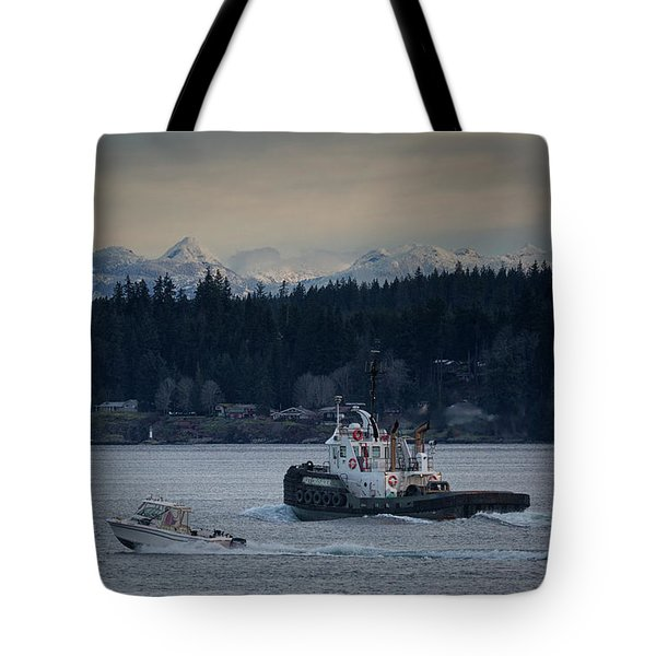 Tote Bag featuring the photograph Inlet Crusader by Randy Hall