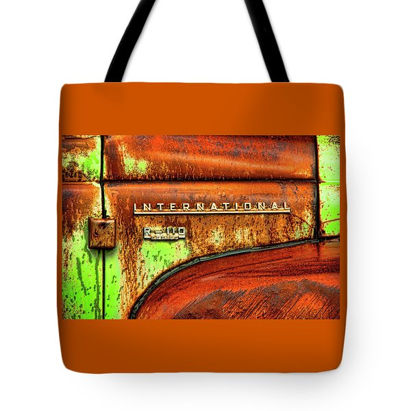 International Mcintosh  Horz Tote Bag