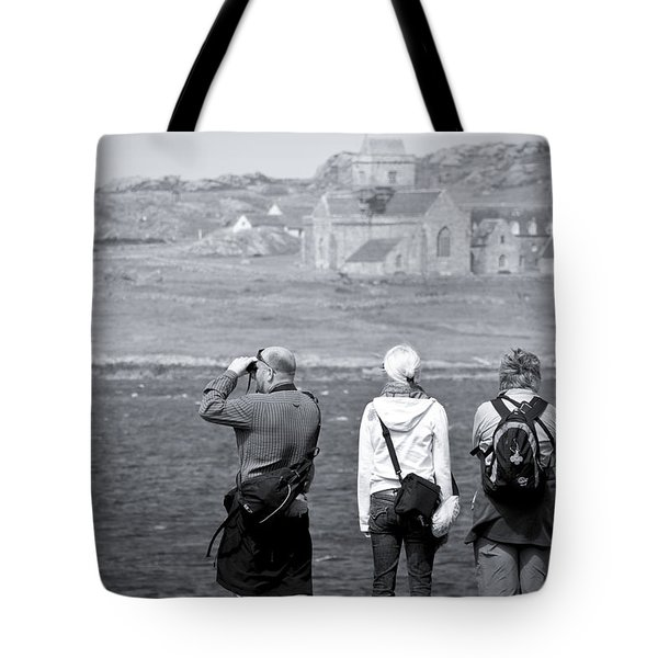 Tote Bag featuring the photograph Iona Abbey Tourists by Ray Devlin