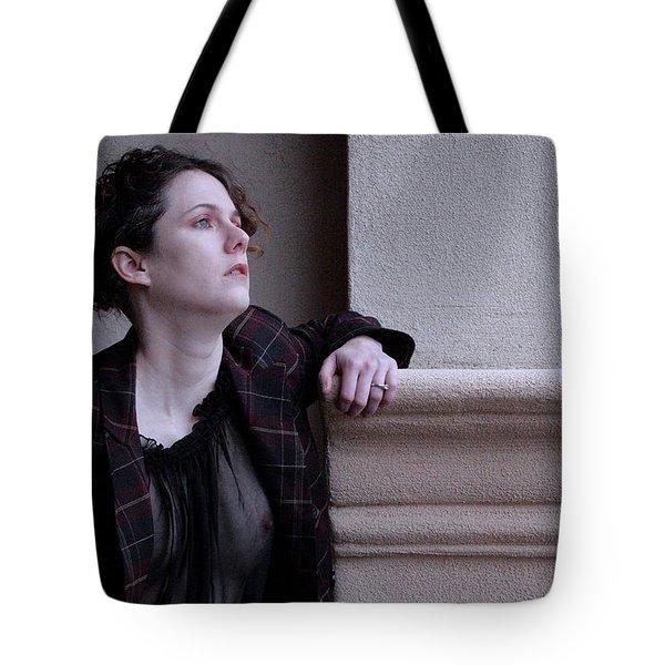 Iona Lynn 2-5 Tote Bag