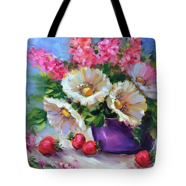 Italian Strawberries And Daisies Tote Bag