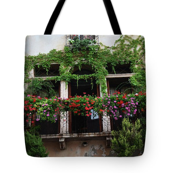 Tote Bag featuring the photograph Italy Veneto Marostica Main Square by Frank Stallone