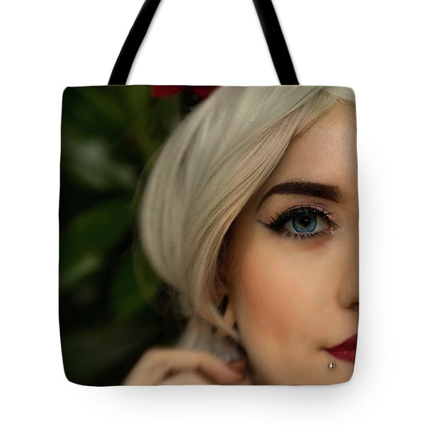 Jade Close Crop Tote Bag