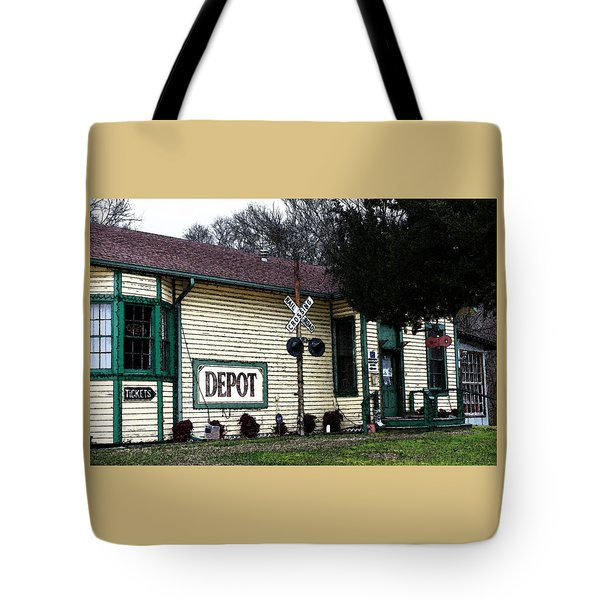 Tote Bag featuring the photograph Jefferson Depot by Ellen O'Reilly