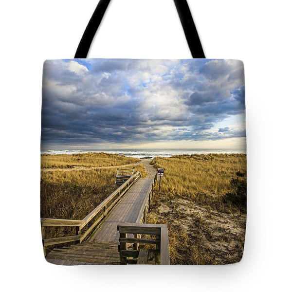 Jetty Four Walkway Tote Bag