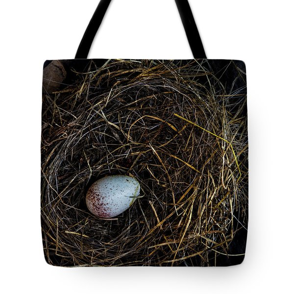 Junco Bird Nest And Egg Tote Bag