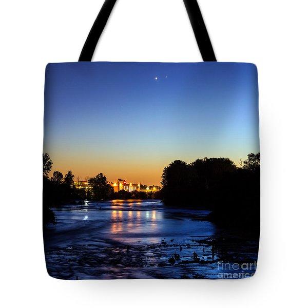 Jupiter And Venus Over The Willamette River In Eugene Oregon Tote Bag