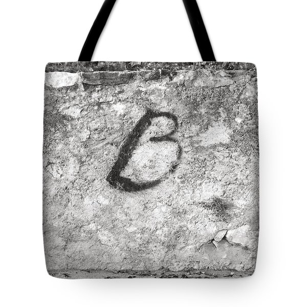 Tote Bag featuring the photograph Just B by Colleen Williams