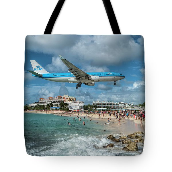 K L M A330 Landing At Sxm Tote Bag