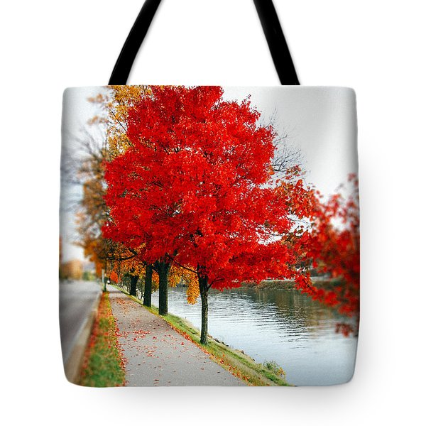 Kanawha Boulevard In Autumn Tote Bag