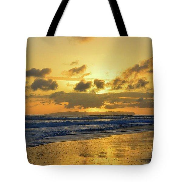 Kauai Sunset With Niihau On The Horizon Tote Bag