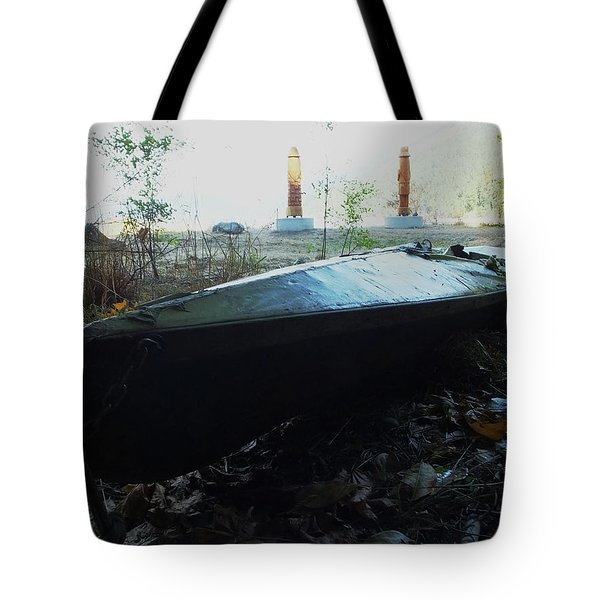 Tote Bag featuring the photograph Kayak by Mark Alan Perry