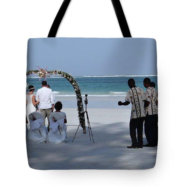 Kenya Wedding On Beach Happy Couple Tote Bag