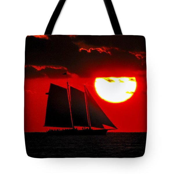 Key West Sunset Sail Silhouette Tote Bag