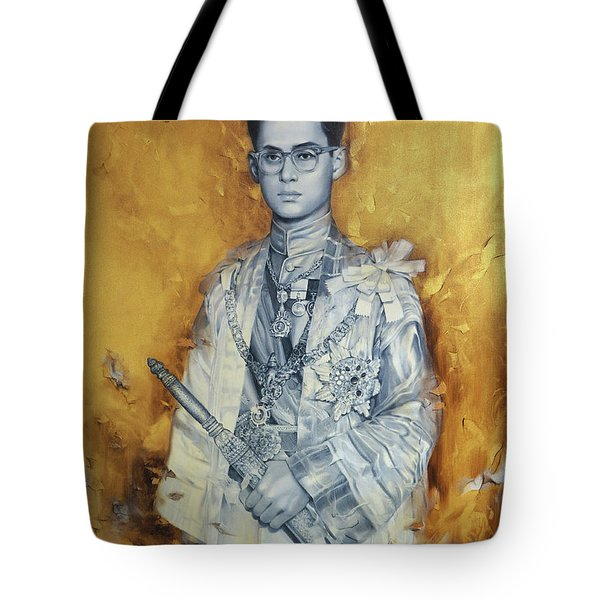 Tote Bag featuring the painting King Phumiphol by Chonkhet Phanwichien