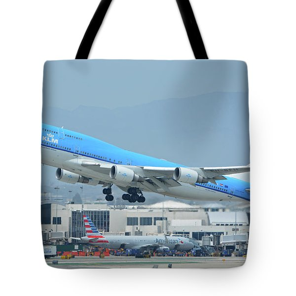 Tote Bag featuring the photograph Klm Boeing 747-406m Ph-bfh Los Angeles International Airport May 3 2016 by Brian Lockett