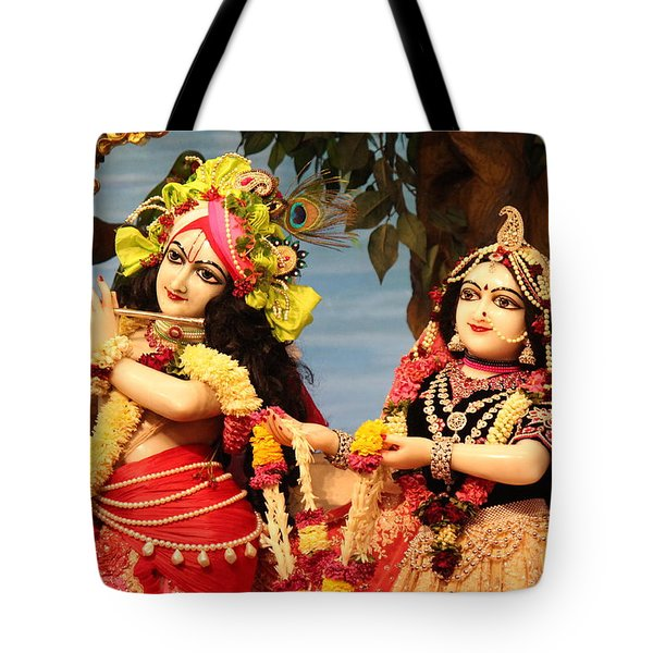 Krishna And Radha At Radha Gopinath Mandir, Mumbai Tote Bag