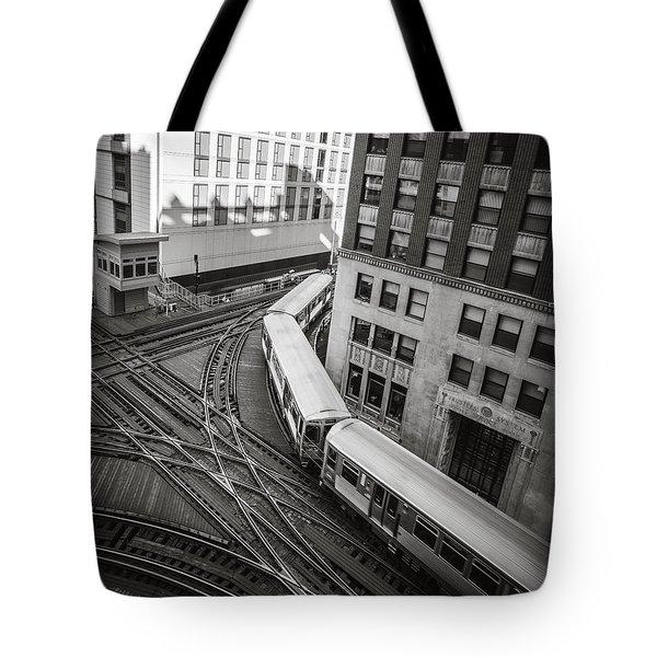L Train In Chicago Tote Bag