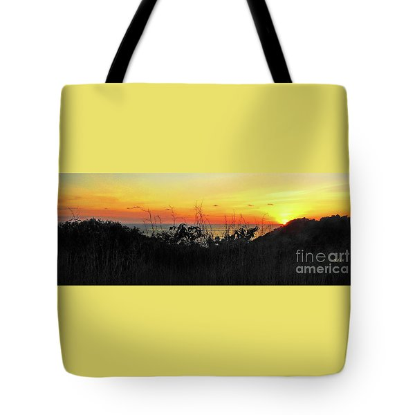 la Casita Playa Hermosa Puntarenas Costa Rica - Sunset A Panorama Tote Bag by Felipe Adan Lerma
