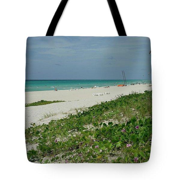 La Playa Mas Hermosa Tote Bag