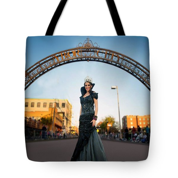 La Reina The Queen Tote Bag by Steve Sperry