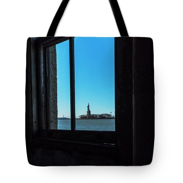 Lady Liberty Tote Bag by Tom Singleton
