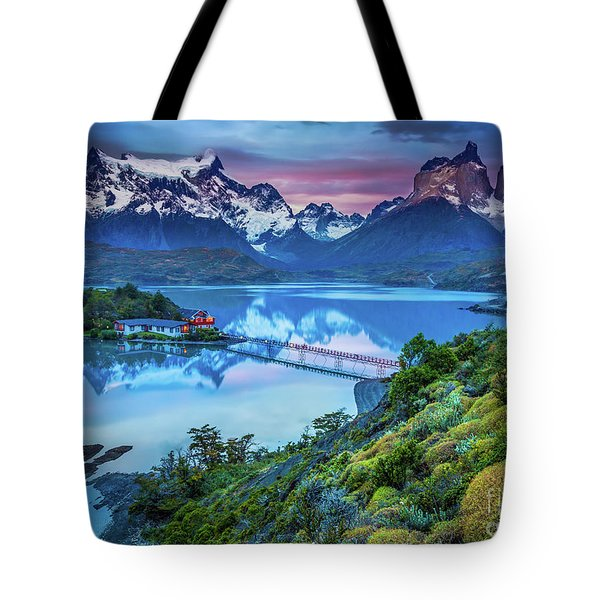 Lago Pehoe - March Tote Bag