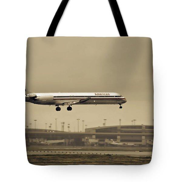 Landing At Dfw Airport Tote Bag
