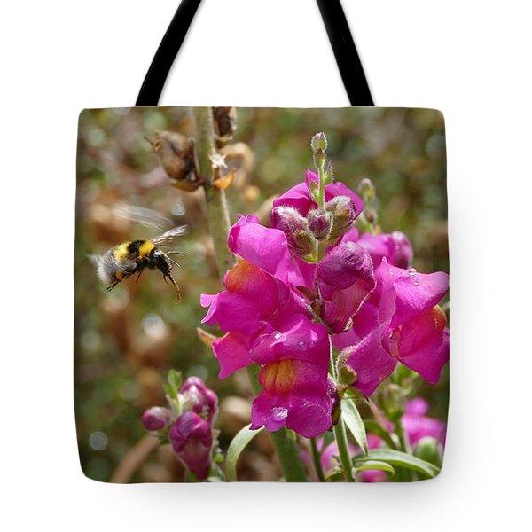 Landing Bumblebee Tote Bag