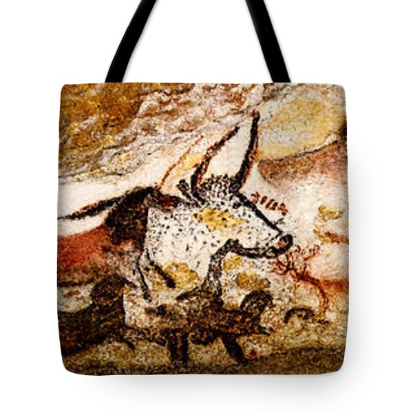 Lascaux Hall Of The Bulls Tote Bag