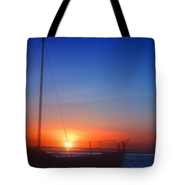 Last Light Tote Bag by Stephen Anderson