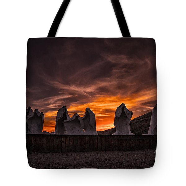 Last Supper At Sunset Tote Bag by Janis Knight