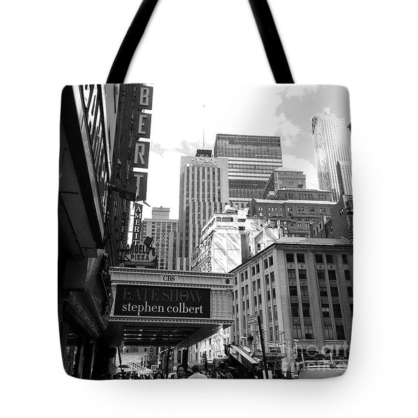 Late Show Nyc Tote Bag