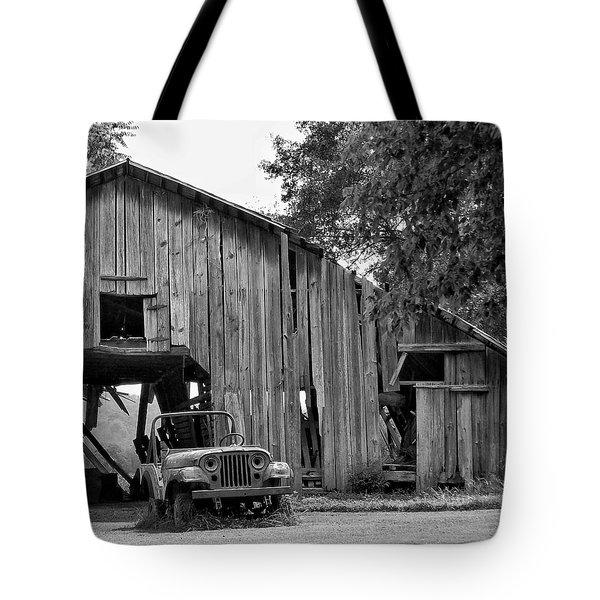Lawn Art Tote Bag