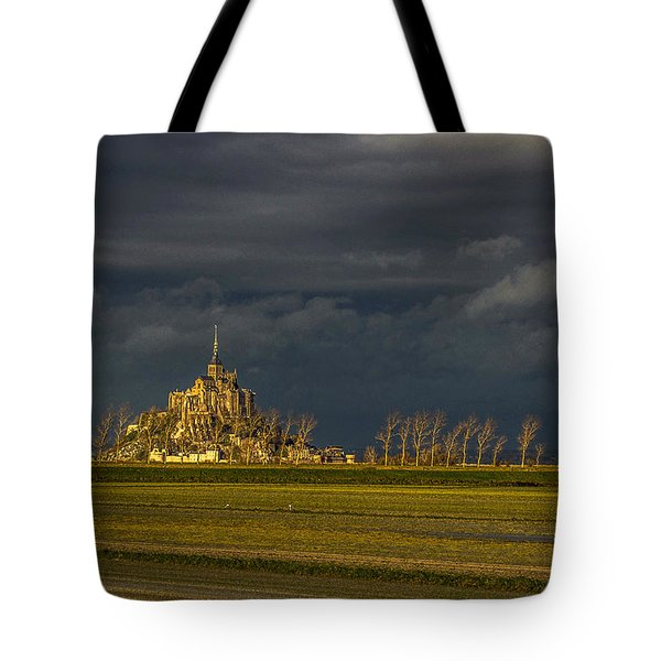 Le Mont Saint-michel Tote Bag