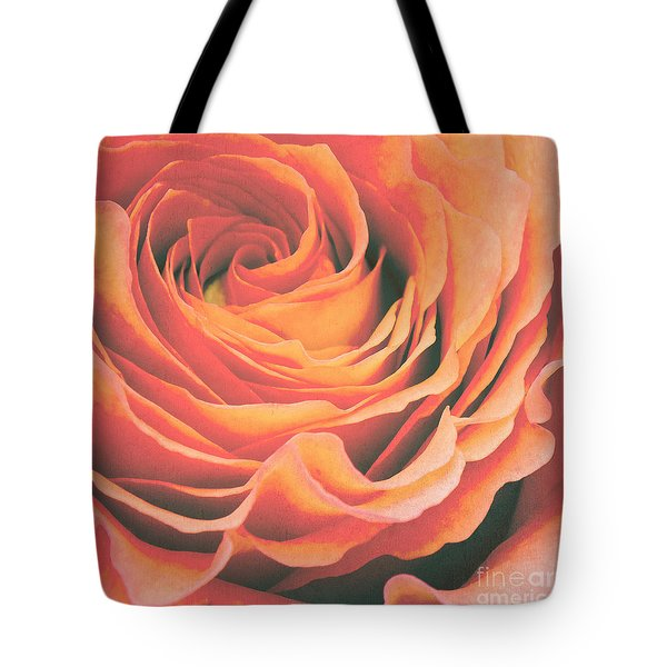 Le Petale De Rose Tote Bag