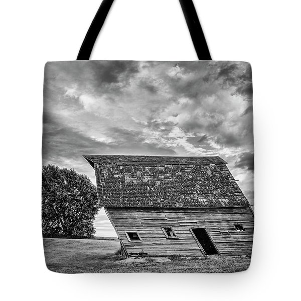 Leaning Barn Of Tuttle Tote Bag